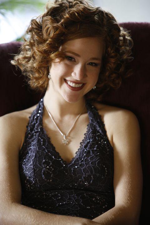 Wird über Nacht zum Eiskunstlauf-Superstar: Lexi (Taylor Firth) ... - Bildquelle: 2010 Stage 6 Films, Inc. All Rights Reserved.