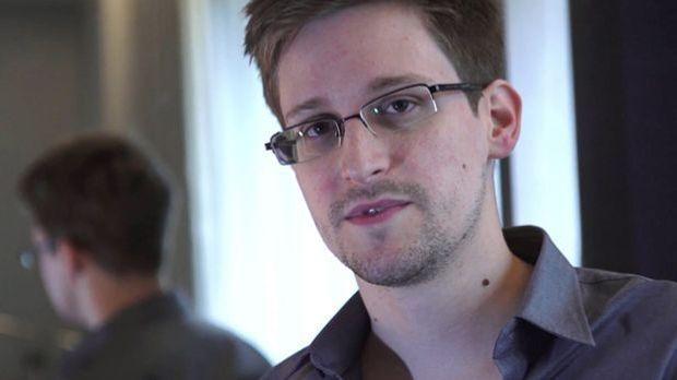 Edward Snowden blamiert den IS