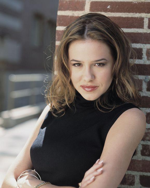 Will Klarheit in den Koma-Unfall bringen: Teeny (Marieh Delfino) ... - Bildquelle: Buena Vista Television