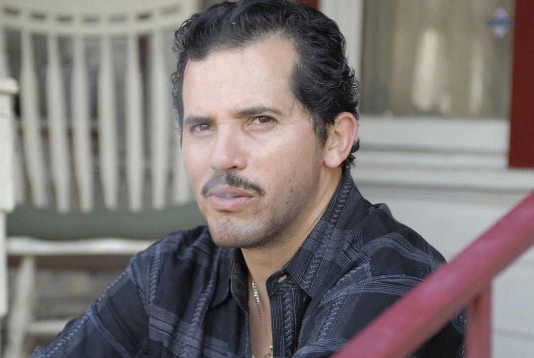 Muss einen knallharten Gangster stellen und die Polizei von seiner Unschuld überzeugen: Geldtransportfahrer Felix De La Pena (John Leguizamo) ... - Bildquelle: 2008 Boyle Heights, LLC. All Rights Reserved.