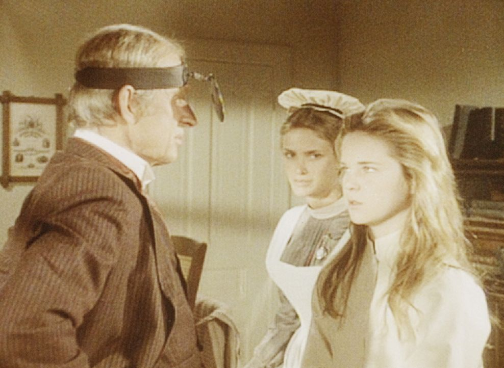 Leider hält Dr. Mayes (Ivan Bonar, l.) eine Operation für unumgänglich. Mary (Melissa Sue Anderson, r.) nimmt die Nachricht tapfer auf. - Bildquelle: Worldvision