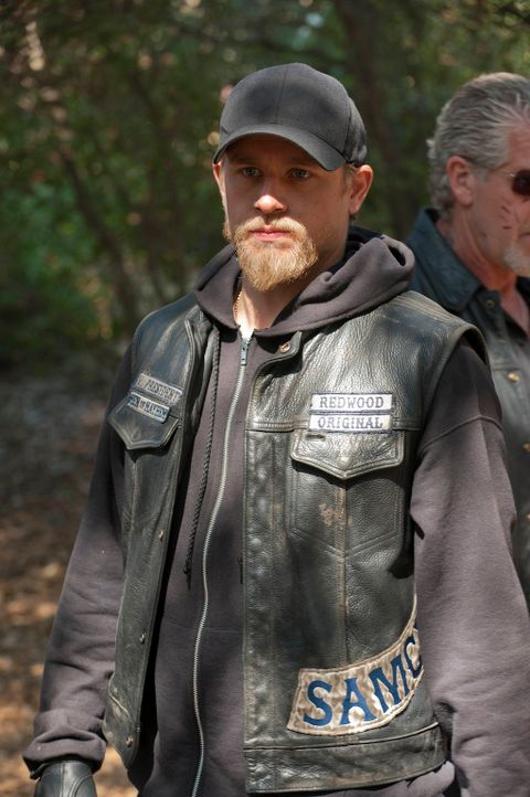 Noch ahnt Jax (Charlie Hunnam) nicht, welche Geheimnisse nach und nach ans Licht kommen werden ... - Bildquelle: 2011 Twentieth Century Fox Film Corporation and Bluebush Productions, LLC. All rights reserved.