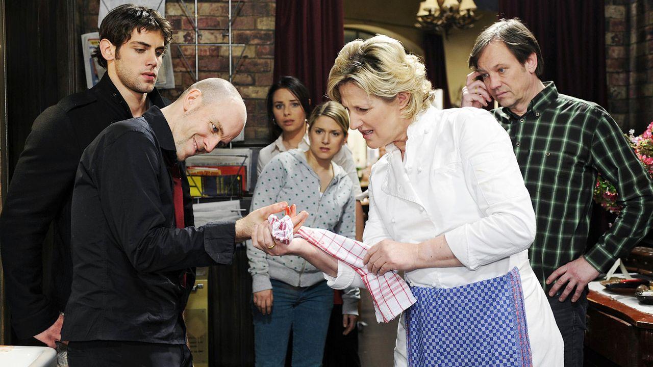 anna-und-die-liebe-Folge-193-01-SAT1-Oliver-Ziebe - Bildquelle: Sat.1/Oliver Ziebe