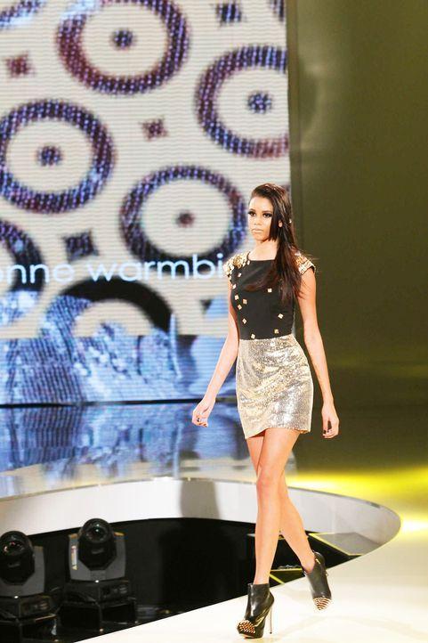 Fashion-Hero-Epi05-Gewinneroutfits-Yvonne-Warmbier-s-Oliver-01-Richard-Huebner - Bildquelle: Richard Huebner