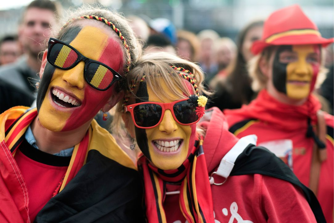 Belgium Fans laughing_BU4J2_ROMAIN LAFABREGUE_ AFP - Bildquelle: AFP / ROMAIN LAFABREGUE