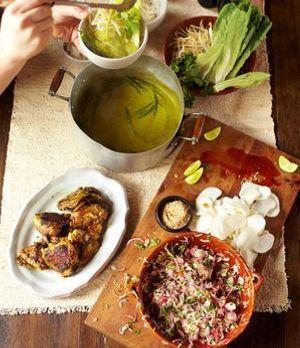 Grüne Currysauce mit knusprigen Hähnchen