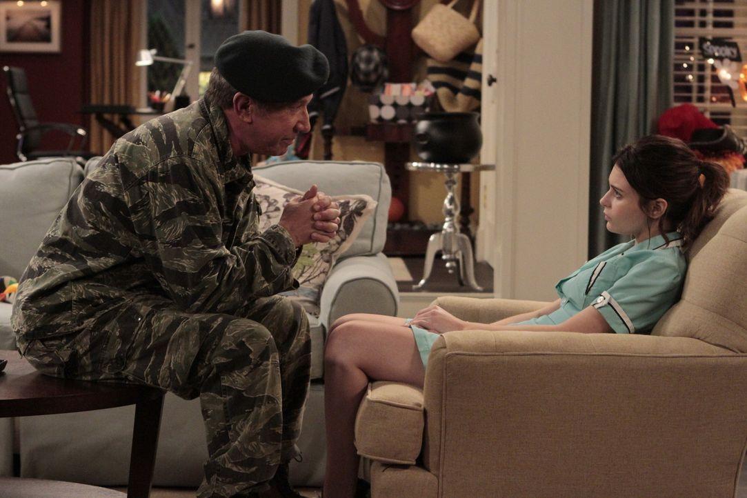 Boyds Mutter Kristin (Alexandra Krosney, r.) möchte nicht, dass Mike (Tim Allen, r.) ihren zwei Jahre alten Sohn mitnimmt, um an Halloween Süßigkeit... - Bildquelle: 2011 Twentieth Century Fox Film Corporation