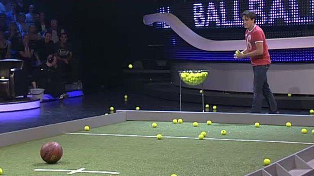 schlag den star video spiel 1 ballball prosieben. Black Bedroom Furniture Sets. Home Design Ideas
