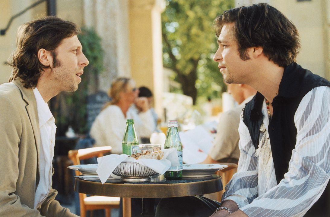 Obwohl Rick (Tim Sander, r.) ein Auge auf den schüchternen Oliver (Oliver Korittke, l.) geworfen hat, hilft er ihm, das Herz seiner Schwester zu ero... - Bildquelle: Christian Rieger/Klick ProSieben