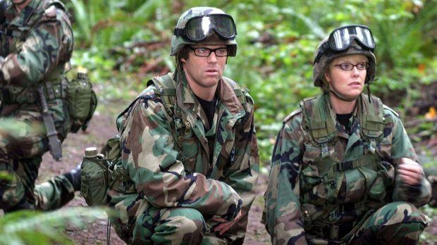 Dr. Carter (Amanda Tapping, r.) und Dr. Jackson (Michael Shanks, l.) durften...