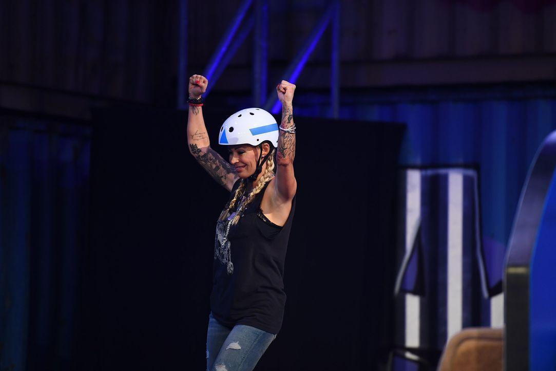 Cora Schumacher freut sich über ihren Sieg beim ersten Spiel