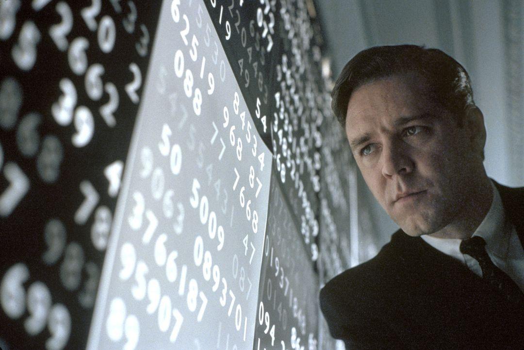 30 Jahre nach dem ersten paranoiden Schizophrenieschub gelingt John Nash (Russell Crowe) der ganz große Erfolg: 1994 erhält er den Nobelpreis für... - Bildquelle: Universal Pictures