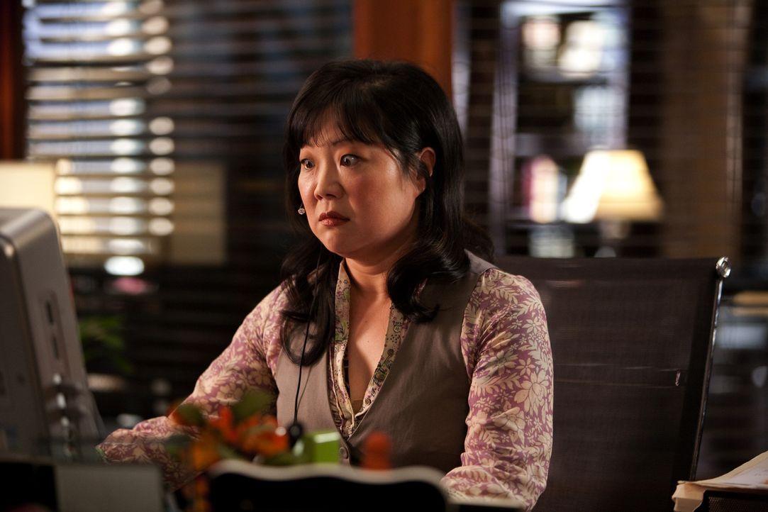 Ist überrascht, als plötzlich eine Frau vor ihr steht, die sich als Assistentin für Jane vorstellen möchte: Teri (Margaret Cho) ... - Bildquelle: 2009 Sony Pictures Television Inc. All Rights Reserved.