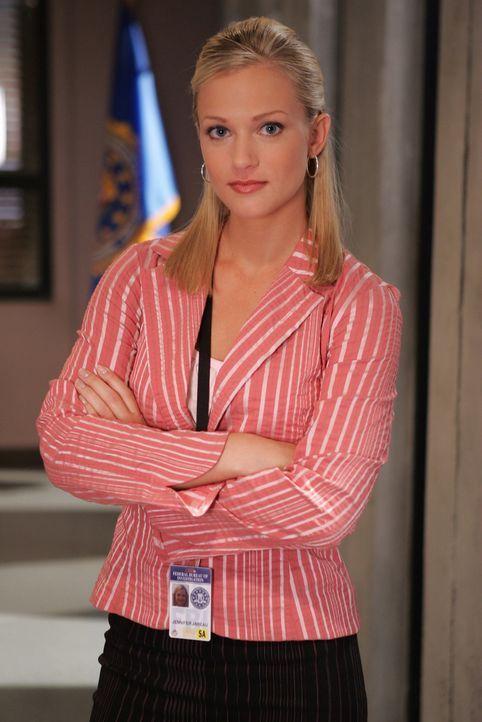 """(1. Staffel) - Mitglied der B.A.U., einer FBI-Einheit, die sich mit verhaltensauffälligen Tätern beschäftigt:  Jennifer """"J.J."""" Jareau (A.J. Cook) ..... - Bildquelle: Touchstone Television"""
