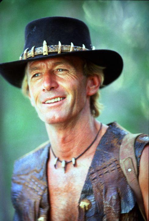 Der Buschmann Mick Dundee (Paul Hogan) lockt eine Bande von Drogendealern in den australischen Busch, wo er seinen Heimvorteil gekonnt ausnutzt. - Bildquelle: Paramount Pictures