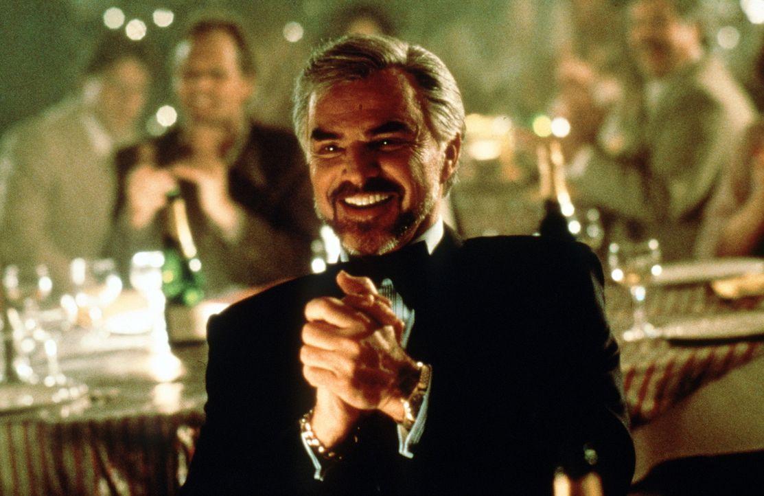 In den 70er Jahren gehen die Geschäfte von Jack Horner (Burt Reynolds, M.) glänzend ... - Bildquelle: New Line Cinema