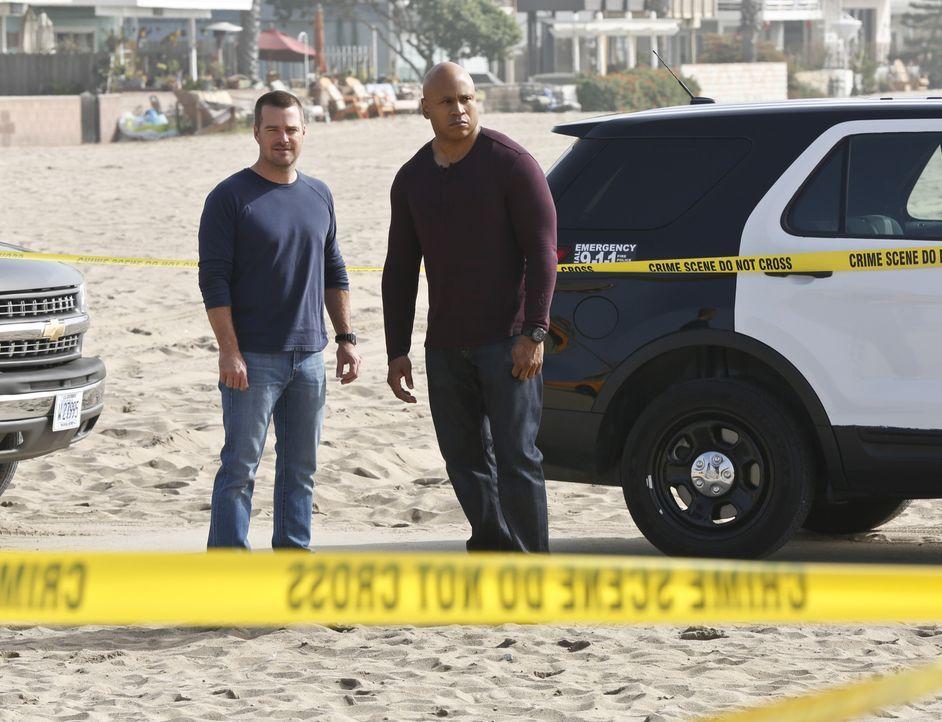 Müssen einen neuen Fall aufdecken: Callen (Chris O'Donnell, l.) und Sam (LL Cool J, r.) ... - Bildquelle: CBS Studios Inc. All Rights Reserved.