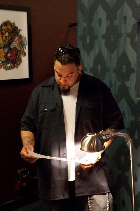 """In """"Tattoo Nightmares"""" kümmert sich Big Gus um verzweifelte Kunden, die ihre misslungenen Tattoos verschönern lassen wollen. - Bildquelle: 2012 Spike Cable Networks Inc. All Rights Reserved."""