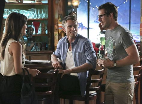Hart of Dixie - Während Zoe (Rachel Bilson, l.) und Joel (Josh Cooke, r.) sic...