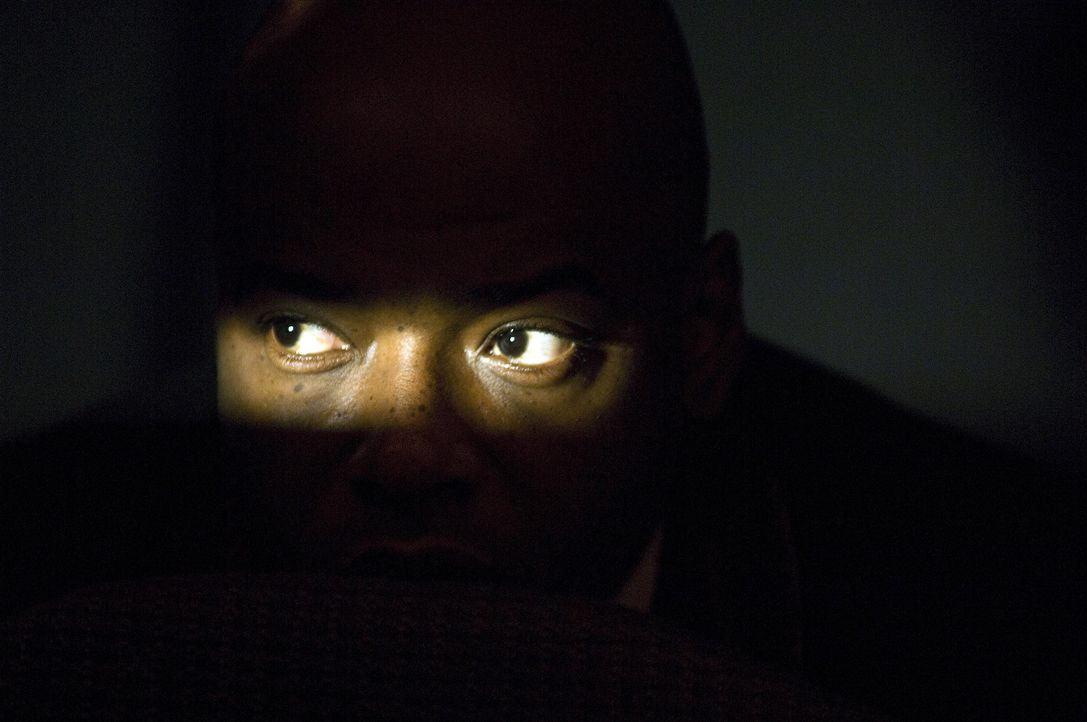 """Nachdem er bei einem vermasselten Einsatz sein Augenlicht verlor, lebt der Spezialagent Connors (Anthony """"Treach"""" Criss) verbittert in einer Laubenk... - Bildquelle: Sony 2007 CPT Holdings, Inc.  All Rights Reserved."""