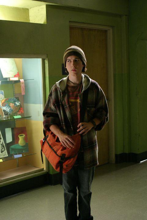 Beflügelt durch göttlichen Ansporn, lernt Joan im Chemiekurs den schlauen Adam (Christopher Marquette) kennen ... - Bildquelle: Sony Pictures Television