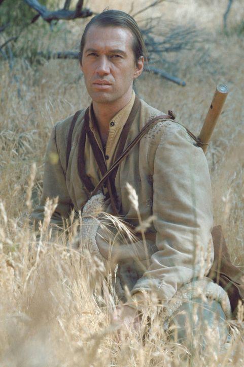 Caine (David Carradine) ist das Kind einer Chinesin und eines Amerikaners. Er wächst in einem Shaolin-Kloster auf, lebt wie die anderen Mönche im Ei... - Bildquelle: Warner Bros.