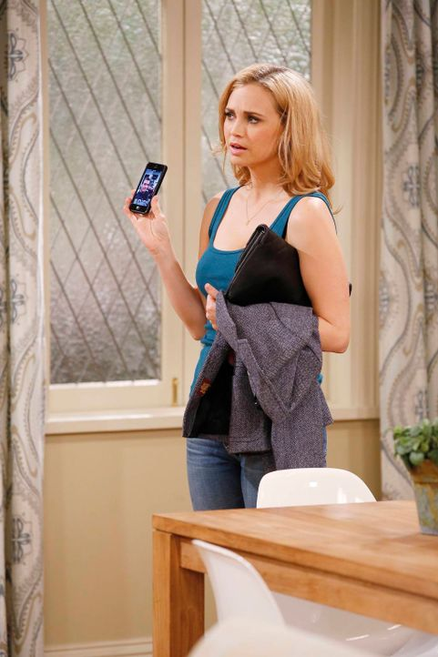 Was wird Kelly (Fiona Gubelmann) machen, wenn sie erfährt, dass es nicht wirklich Zufall ist, dass Will all ihre Vorlieben kennt? - Bildquelle: 2013 CBS Broadcasting, Inc. All Rights Reserved.