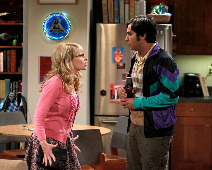 Penny (Kaley Cuoco, l.) ist bei Amy untergetaucht, doch Rajesh (Kunal Nayyar, r.) gelingt es, sie ausfindig zu machen ... - Bildquelle: Warner Bros. Television