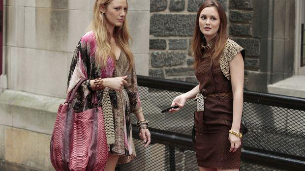 Serena (Blake Lively, l.) und Blair (Leighton Meester, r.) fangen am College...