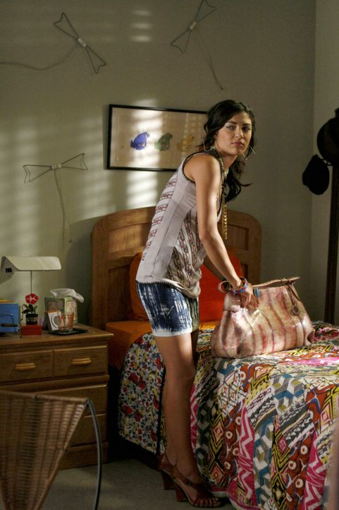 Findet heraus, wer Scott wirklich ist: Vanessa (Jessica Szohr) ... - Bildquelle: Warner Brothers