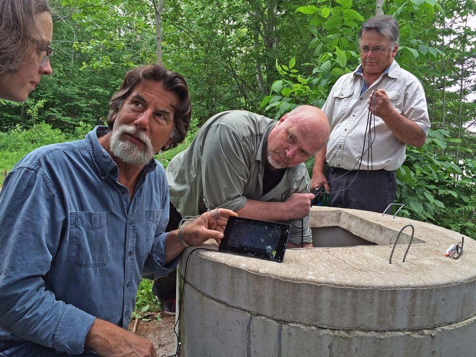 Rick (l.) und Marty kehren auf die Insel zurück und beginnen mit den Vorbereitungen für die große Ausgrabung im Money Pit. - Bildquelle: 2016 A&E Television Networks, LLC. All Rights Reserved.