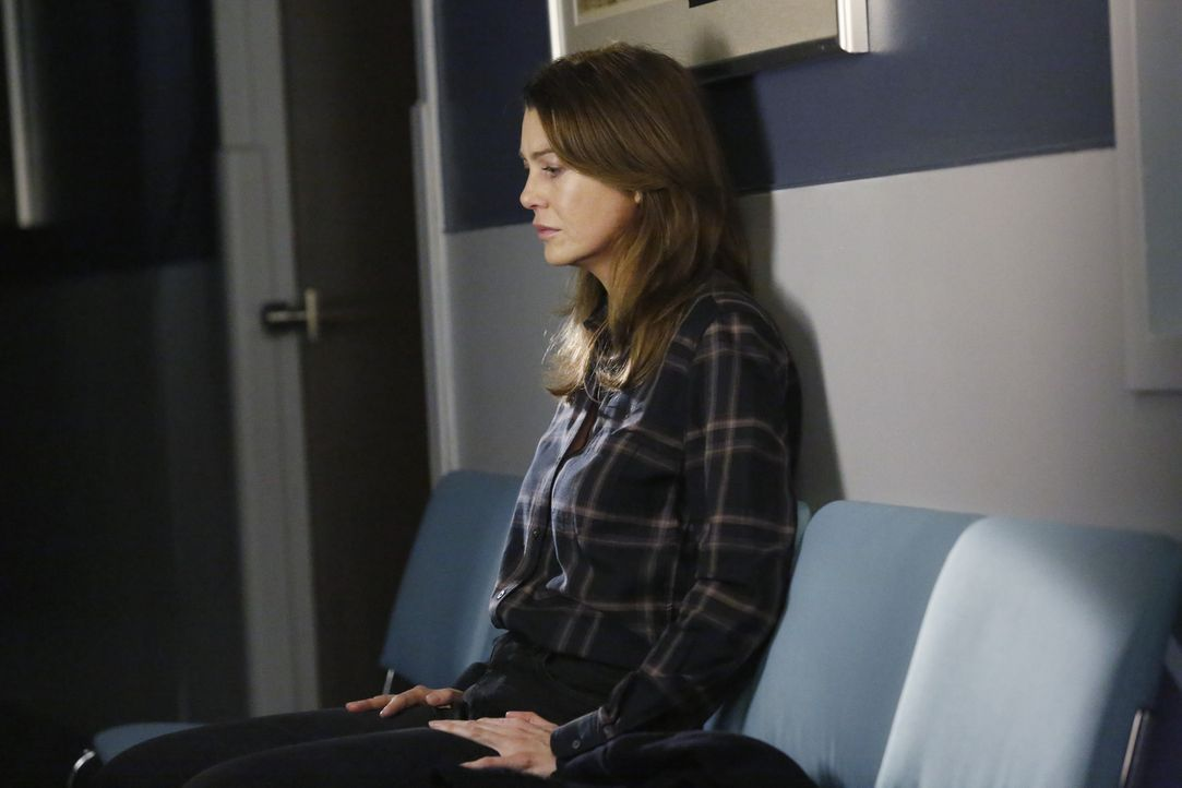 Bei dem Versuch die Verletzten des Autounfalls zu retten, wird Derek selbst verletzt. Als Meredith (Ellen Pompeo) dies erfährt, reist sie sofort in... - Bildquelle: ABC Studios