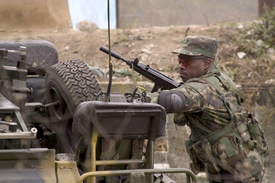 Im Kampf gegen tschetschenische Rebellen soll Painter (Wesley Snipes) auf eine völlig falsche Fährte geführt werden ... - Bildquelle: Sony 2007 CPT Holdings, Inc.  All Rights Reserved.