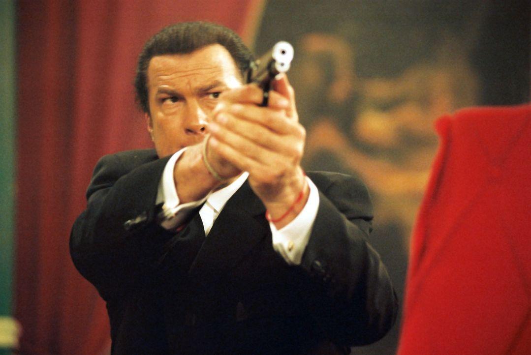 Die Jagd auf die Hintermänner der Kindesentführung beginnt: Ex-Undercover-Agent Billy Lancing (Steven Seagal) ... - Bildquelle: Franchise Pictures