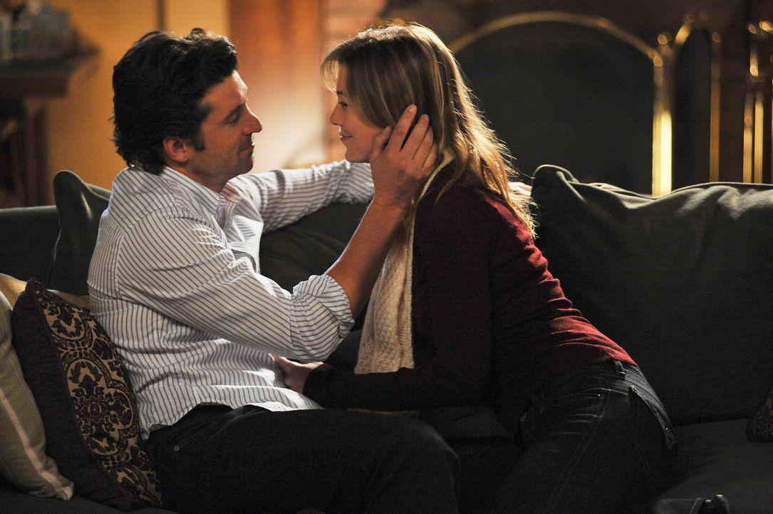 Gehen zwei Schritte zurück und wieder einen vor: Meredith (Ellen Pompeo, r.) und Derek (Patrick Dempsey, l.) ... - Bildquelle: Touchstone Television