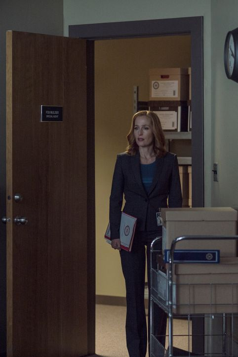 Ein neuer mysteriöser Fall wartet auf Scully (Gillian Anderson) ... - Bildquelle: 2016 Fox and its related entities.  All rights reserved.