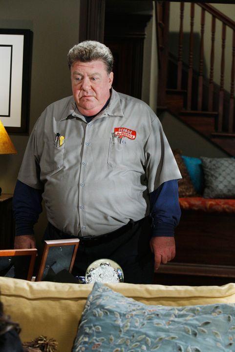 Der Klempner George (George Wendt) hat seinen Job zu Lebzeiten geliebt. Auch als Geist will er nicht aufhören zu arbeiten ... - Bildquelle: ABC Studios