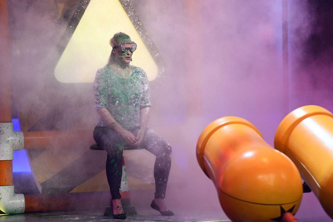 """Wer zieht dem Monster den faulen Zahn? Wer macht sich nass? Wer wird quer durch das Studio geschleudert? Wer tanzt sich """"Locker auf den Hocker""""? Und... - Bildquelle: Willi Weber SAT.1/Willi Weber"""