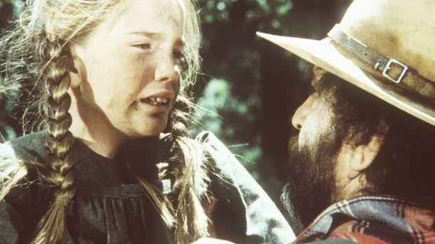 Laura (Melissa Gilbert, l.) erzählt Mr. Edwards (Victor French, r.), dass ihr...