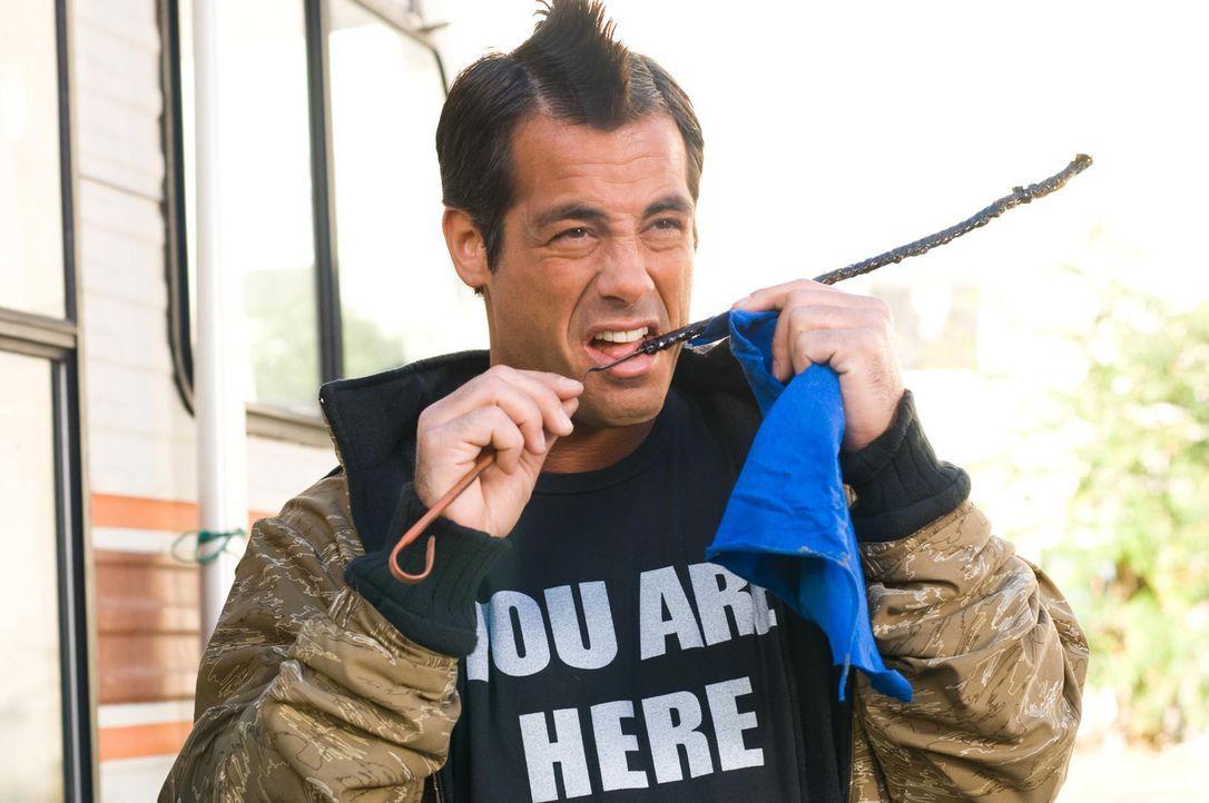 """Der chaotische Danny Guiterrez (Peter Dante) wird als Fahrer des """"Strange Wilderness""""-Wohnmobils engagiert ... - Bildquelle: Paramount Pictures"""