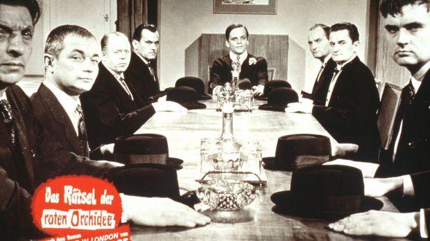 Der schöne Steve (Klaus Kinski, M.) und seine Bande bitten zur Kasse, und zwa...