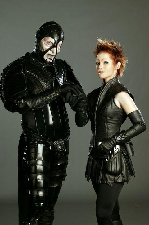 Sikozu Shanu (Raelee Hill, r.) scheint sich zu Scorpius (Wayne Pygram, l.) hingezogen zu fühlen ... - Bildquelle: Hallmark Entertainment