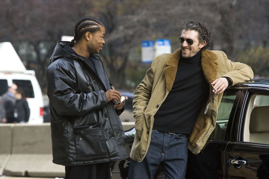 Dexter (Xzibit, l.) und LaRoche (Vincent Cassel, r.) planen schon den nächsten Coup: Lucinda soll wieder einen verheirateten Mann ins Hotel locken... - Bildquelle: Miramax Films All rights reserved