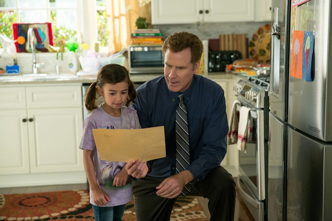 Brad (Will Ferrell, r.) liegt viel daran, dass ihn seine Stieftochter Megan (Scarlett Estevez, l.) als Vater akzeptiert und liebt. Doch als der biol... - Bildquelle: (2017) Paramount Pictures.