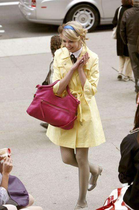 Scheint endlich ihren Traumprinzen gefunden zu haben, doch dass ihr angeblicher Freund Asher sie nur benutzt, ahnt sie nicht: Jenny (Taylor Momsen)... - Bildquelle: Warner Bros. Television