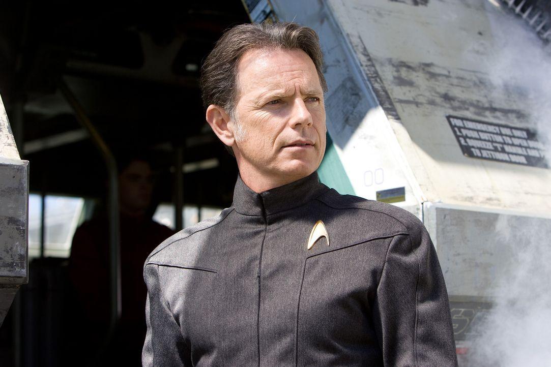 Captain Christopher Pike (Bruce Greenwood) ist ein Freund von Kirks verstorbenen Vater. Er schafft es, den draufgängerischen Kirk für die Sternenflo... - Bildquelle: Paramount Pictures