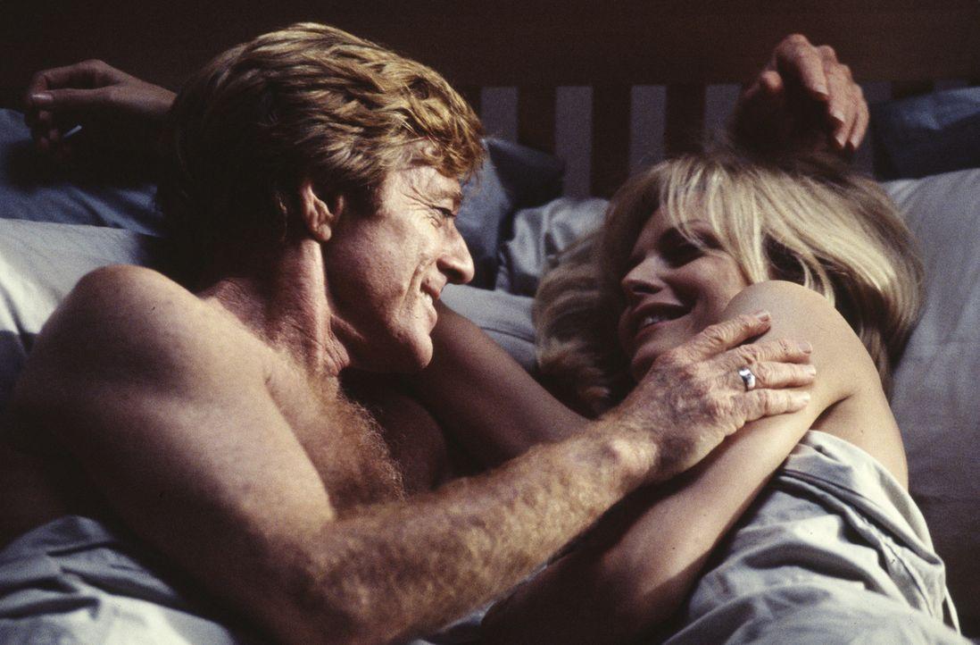 Hat ihre Liebe eine Chance? Sally (Michelle Pfeiffer, r.) und Warren (Robert Redford, l.) ... - Bildquelle: Buena Vista Pictures