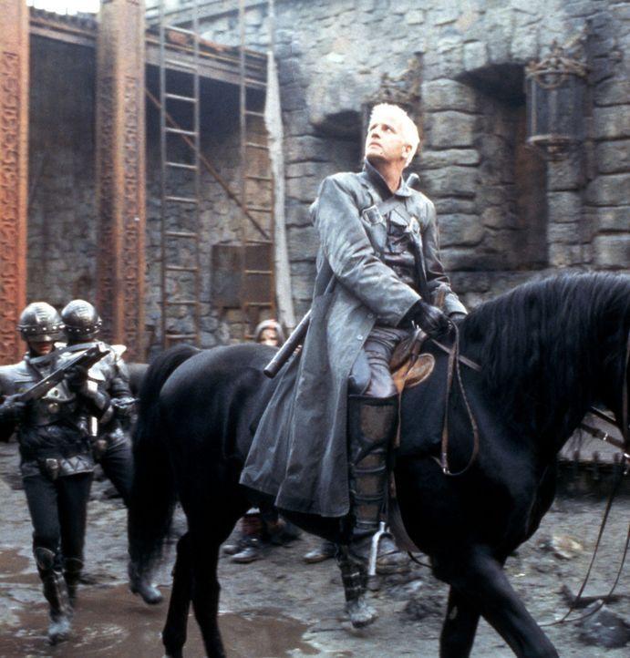 Auf in den unausweichlichen Kampf: Beowulf (Christopher Lambert)! - Bildquelle: Kinowelt Filmverleih
