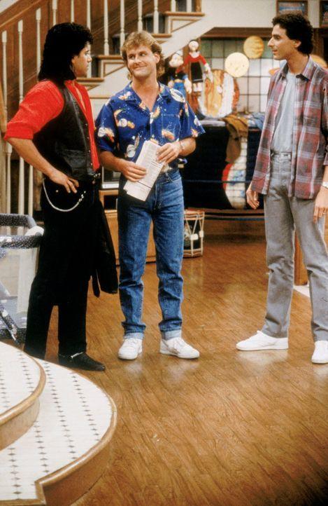 (1. Staffel) - Wird es Joseph 'Joey' Gladstone (Dave Coulier, M.), Daniel 'Danny' Tanner (Bob Saget, r.) und Jesse Cochran (John Stamos, l.) tatsäch... - Bildquelle: Warner Brothers Inc.