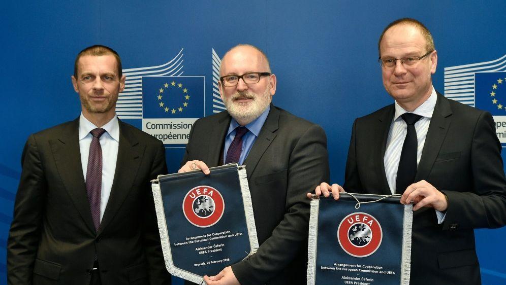 Die UEFA und die EU beschließen eine Kooperation - Bildquelle: AFPSIDJOHN THYS